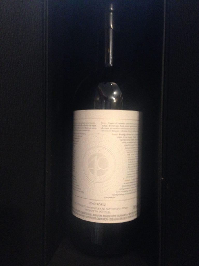 Castello Banfi: bottiglia celebrativa dei 40 anni di Banfi a Montalcino. 1978-2018
